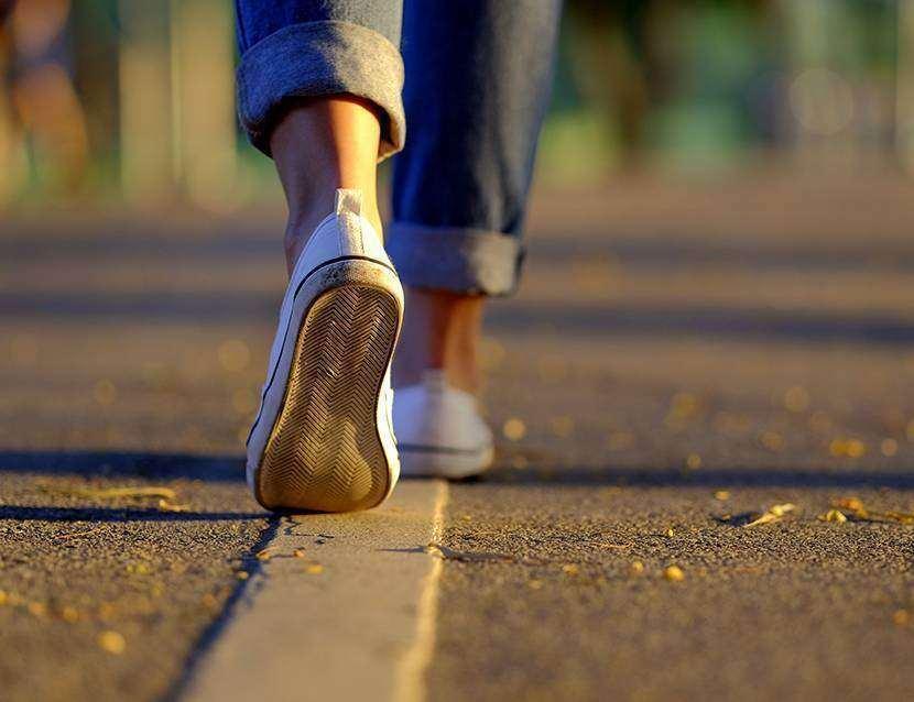7 beneficii importante ale mersului pe jos cel putin 30 de minute